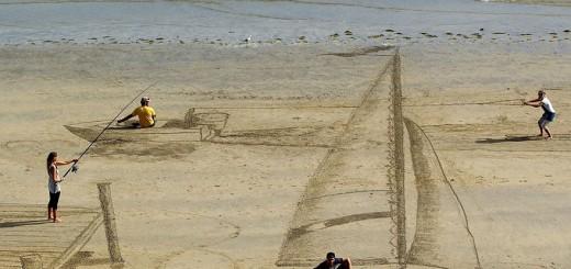 ビーチの視線独り占め! ワンランク上の砂浜らくがき