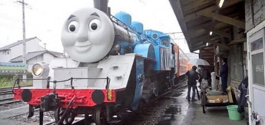 すでに目撃情報多数!この夏、機関車トーマスが静岡を駆け抜ける!