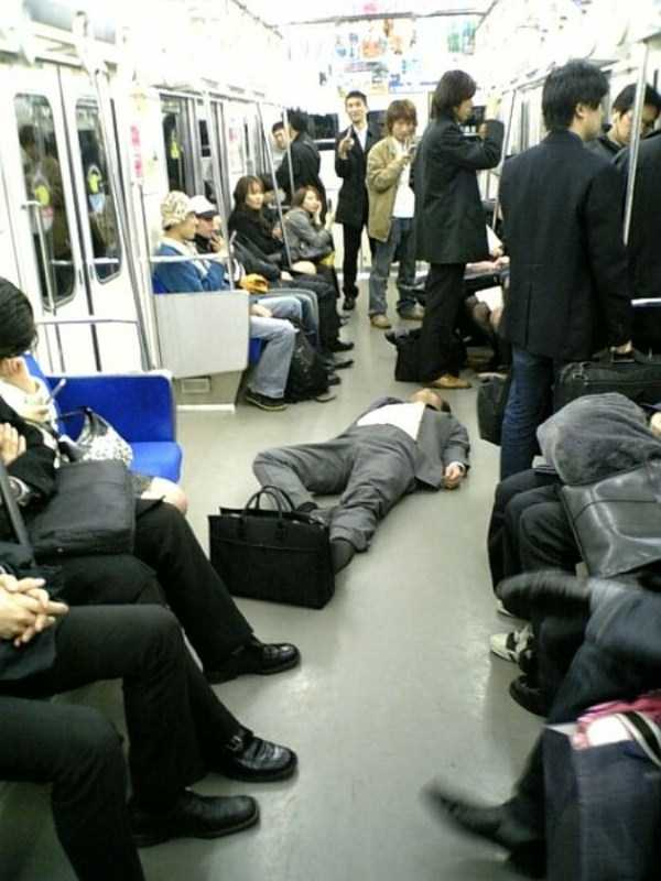 japanese-businessmen-pass-out-13