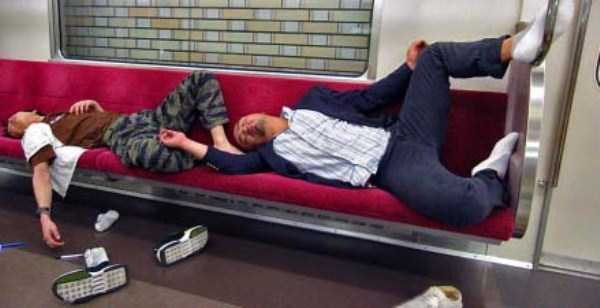 japanese-businessmen-pass-out-25