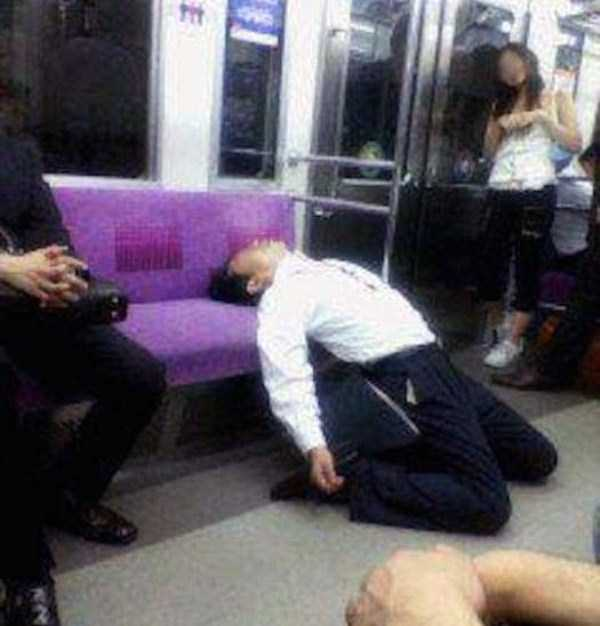 japanese-businessmen-pass-out-5