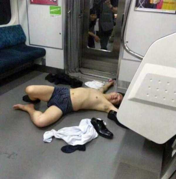 japanese-businessmen-pass-out-6