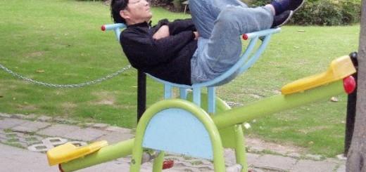 さすが雑疑団の国! どこでも眠る中国人たち