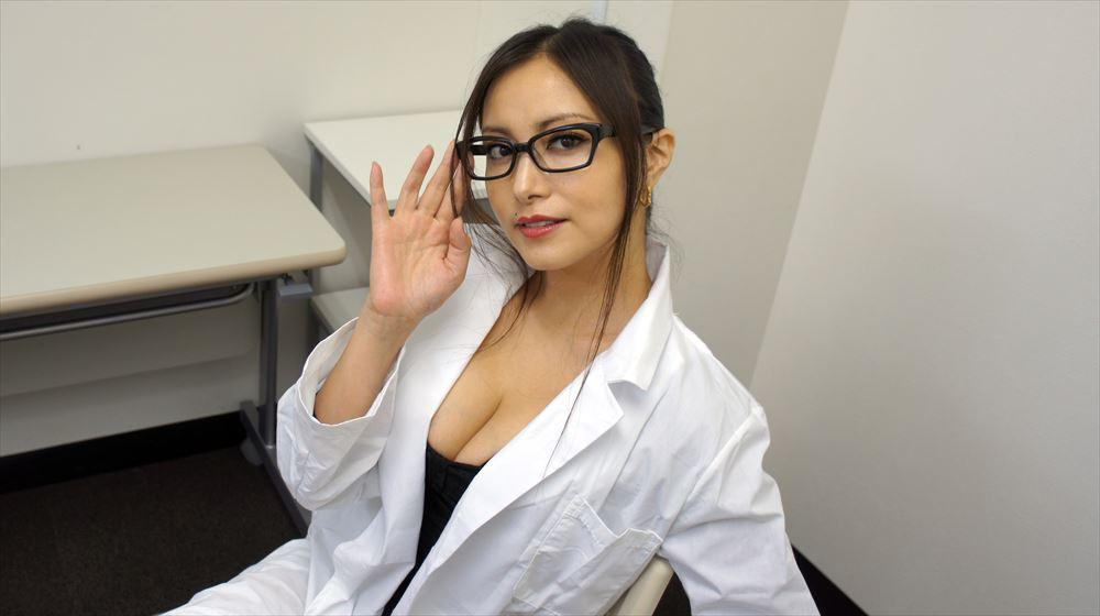セクシー女医コスプレのたかはし智秋