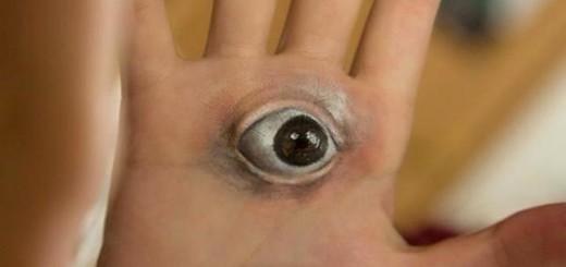 『寄生獣』映画公開でミギー人気が再燃!手に自作ミギーを描く人が続出