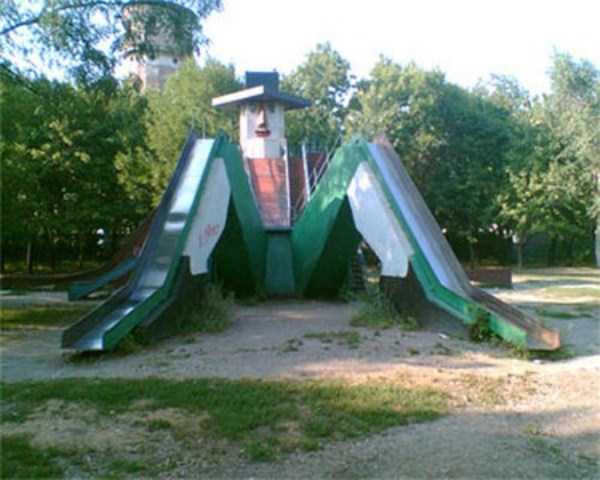 inappropriate-playgrounds-for-kids-16