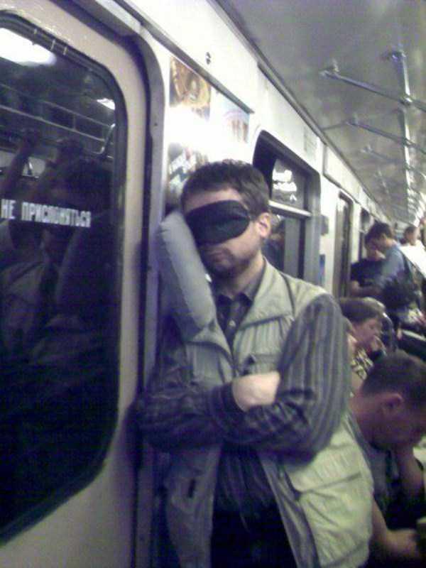 people-can-sleep-everywhere-24
