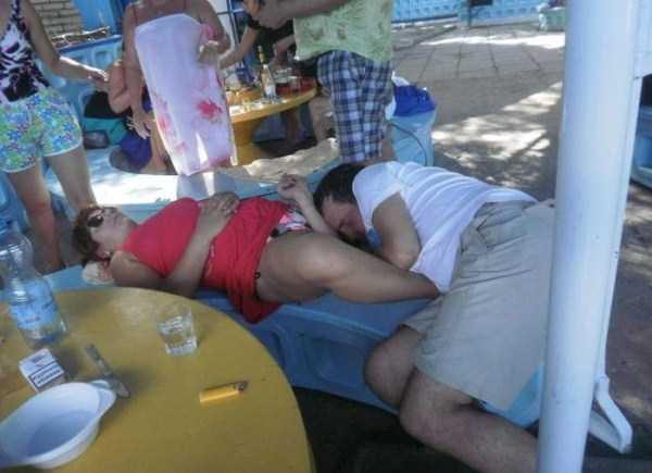 people-can-sleep-everywhere-28