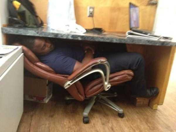 people-can-sleep-everywhere-33