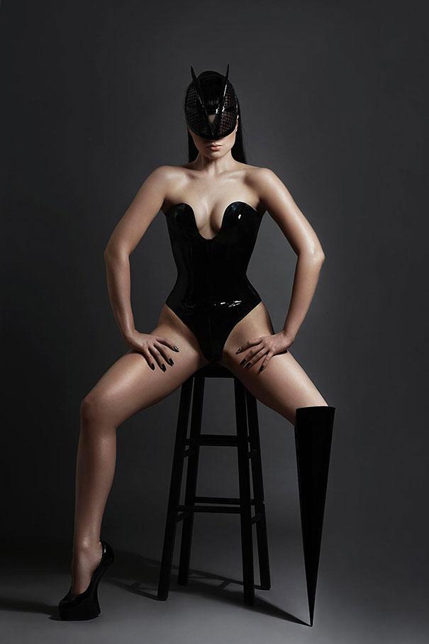 prototype-leg-prosthetics-viktoria-modesta-2