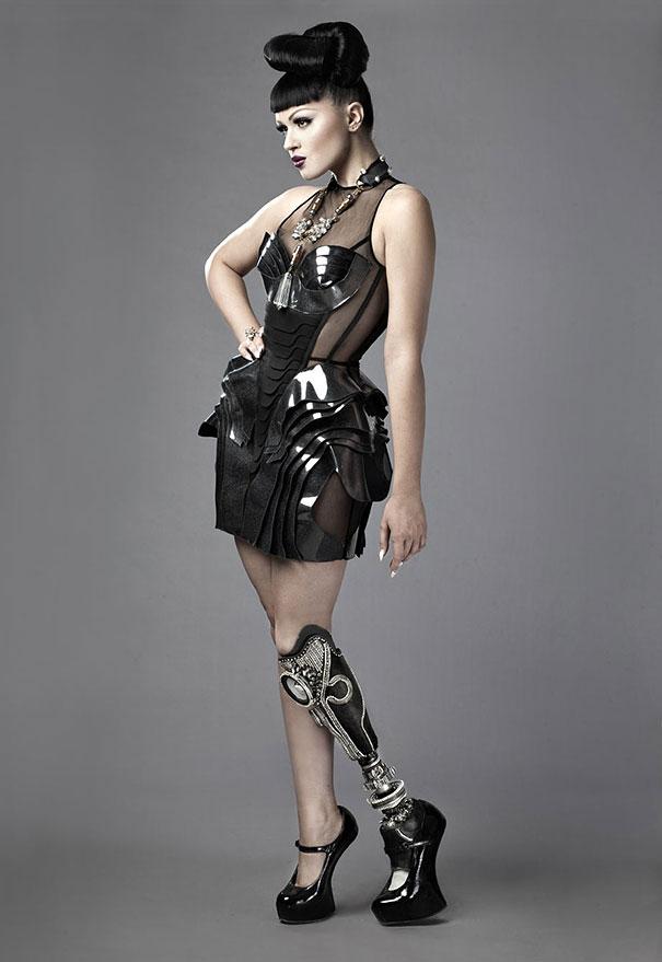 prototype-leg-prosthetics-viktoria-modesta-3