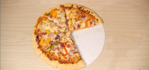 食いしん坊は必見!ピザをつまみ食いしてもバレない、魔法のような秘技