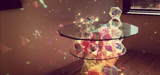 部屋を一瞬でキラキラにするカクテルテーブルが、コズミック感満載で可愛い