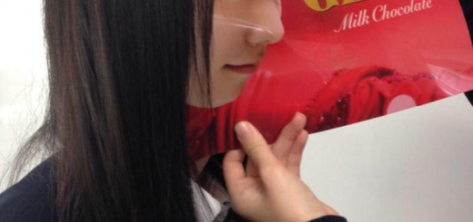 キャンペーンで貰える羽生くんクリアファイルが大人気!→女子高生がクリアファイルの斬新な使い道を発見