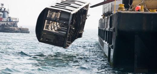老朽化した地下鉄を海に廃棄!…環境破壊と思いきや、目からウロコの衝撃的事実が!