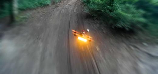 まるでSF映画!カメラ搭載のマルチコプターでレースを楽しむ「FPVレース」がワクワクする