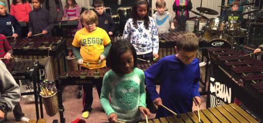 ジミー・ペイジも絶賛!レッド・ツェッペリンの名曲メドレーを打楽器で演奏する子供たち