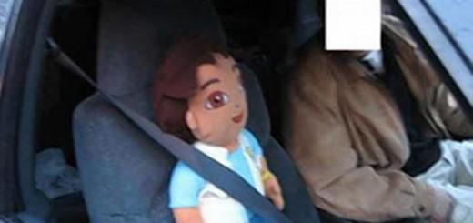 NYの高速道路で、助手席に人形を乗せて運転する人が続出!その驚くべき理由とは!?
