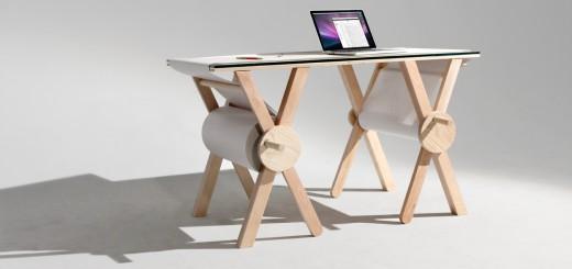 机自体がメモ帳になる!?天板にロール紙がくっ付いたデザインデスク