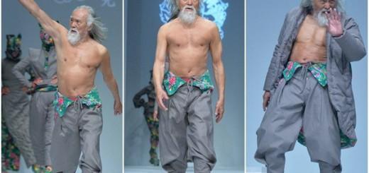 中国のファッションショーで79歳のおじいちゃんがランウェイ!すごい肉体美