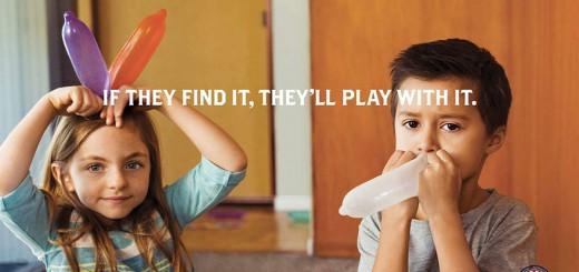 子供がコンドームや大人のおもちゃで遊びまくる・・・衝撃的な広告が作られた真の目的とは!?