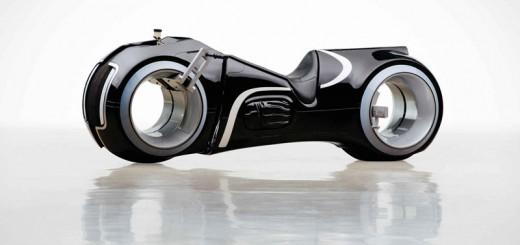 映画『トロン』のレプリカ電動バイクが、5月に発売!オークション価格で最大500万