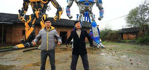 中国の農家、スクラップからトランスフォーマーの巨大彫刻を完成させる
