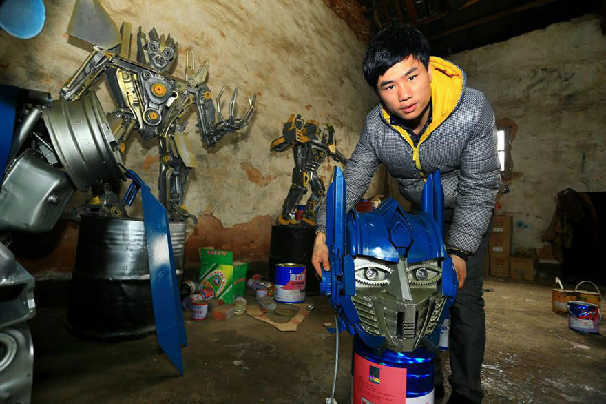 recycled-scrap-metal-sculpture-transformers-father-son-farmer-china-7