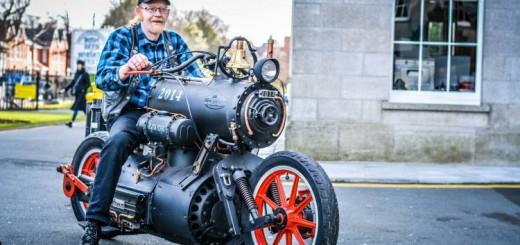 蒸気エンジンで走るバイクが出現!時代錯誤だけど無駄にカッコ良い