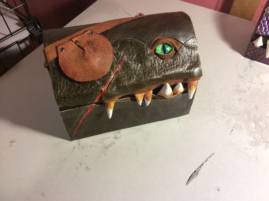 fantasy-monster-boxes-leather-fine-line-workshop-mellie-z-17