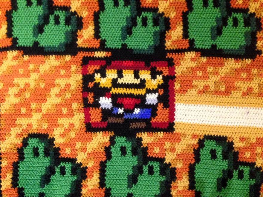 crocheted-super-mario-blanket-kjetil-nordin-10