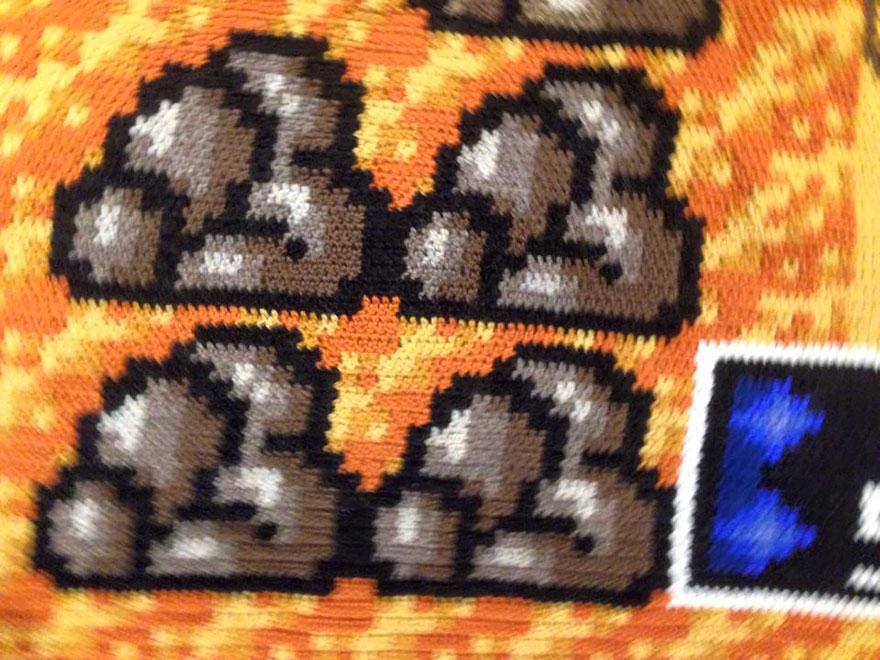 crocheted-super-mario-blanket-kjetil-nordin-5