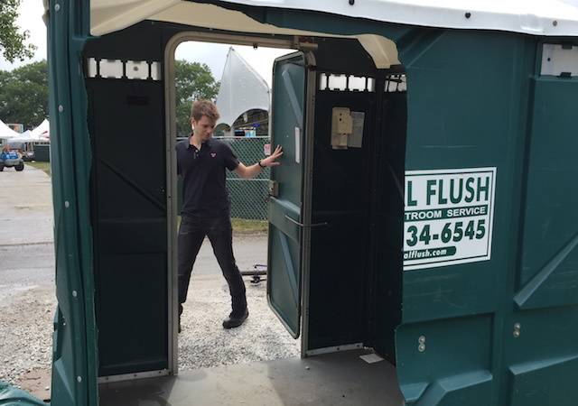 magic-porta-potty-3