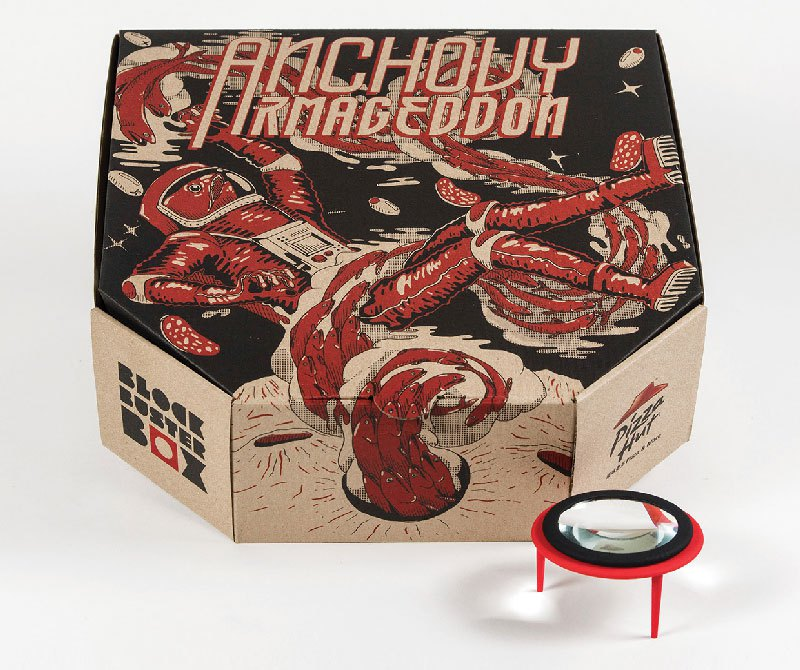 pizza-box-turns-your-smartphone-into-a-movie-projector-5