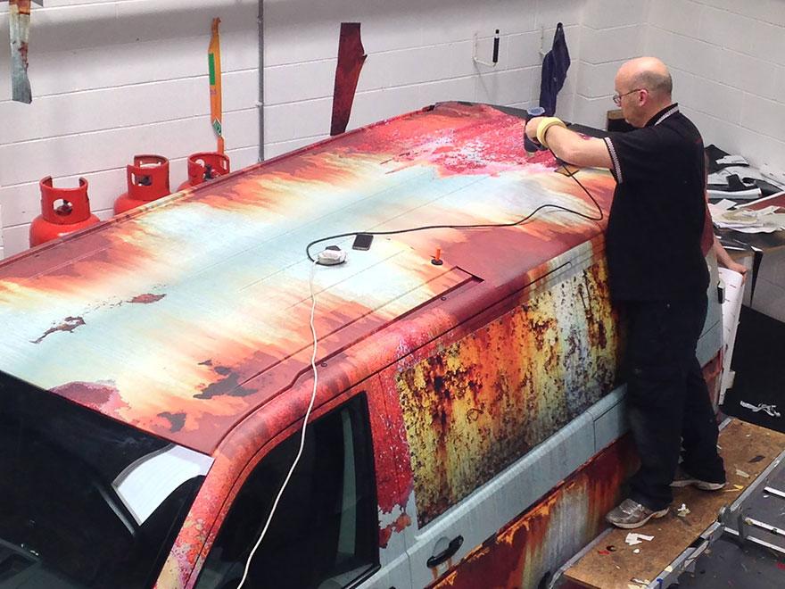 rusty-car-vinyl-wrap-vw-van-clyde-wraps-7