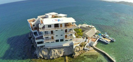 カリブ海に浮かぶダイバーの楽園!島全体がダイビングスポットなホテル