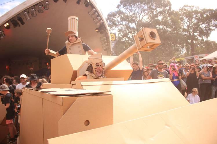 Boxwars-Cardboard-Tank