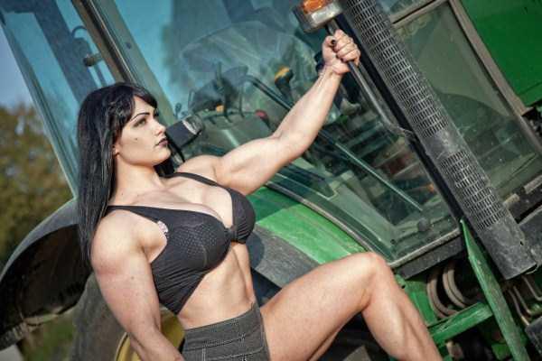 muscular-girls-17