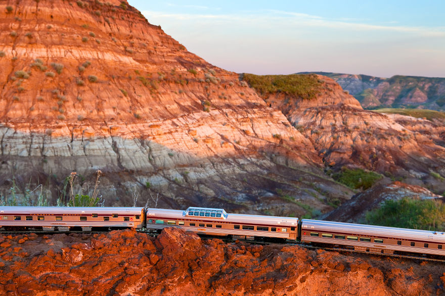 I-took-a-vintage-train-across-Canada-You-might-notice-something-unusual-about-the-train10__880
