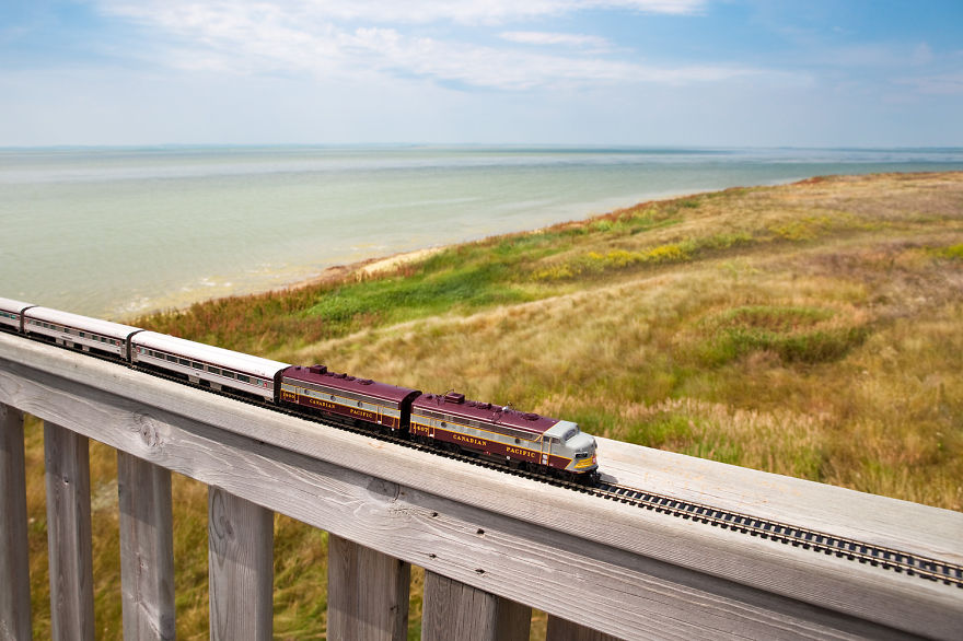 I-took-a-vintage-train-across-Canada-You-might-notice-something-unusual-about-the-train13__880