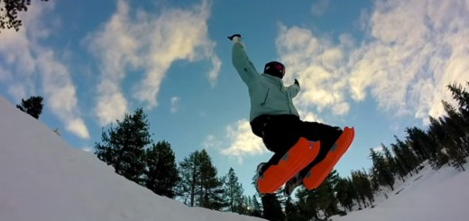 ウインタースポーツ界に新たな波!両膝に装着し正座ポーズで滑るソリ「Sled Legs」