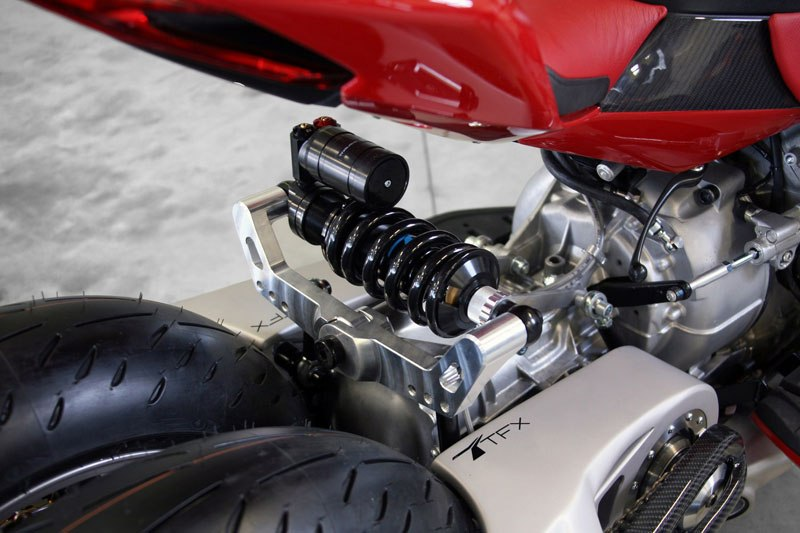 motorcycle-powered-by-maserati-engine-lazareth-lm-847-11