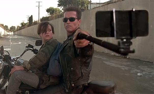 guns-replaced-with-selfie-sticks-30