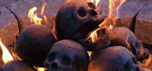 まるで悪魔の集会!?ガイコツの形だけど普通に燃える「ドクロ炭」