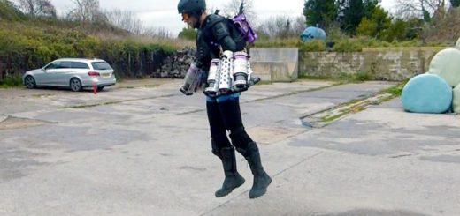 まさにアイアンマン!両腕にジェットエンジンを搭載した飛行装置が誕生