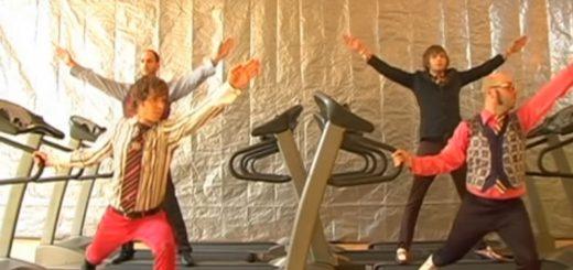 笑撃!アメリカ人に『進撃の巨人』のOPを踊らせてみた動画