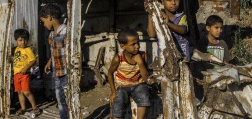 笑顔と廃墟のギャップに胸が痛む…ガザ地区に暮らす子供たちの写真集