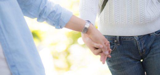 余裕のない感じがリアル!?「個人的にもえる恋人繋ぎ」が話題