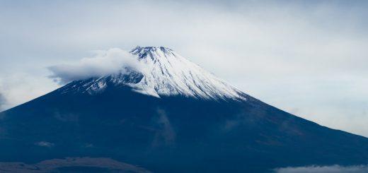 富士山の上空に『ラピュタ』の竜の巣そっくりな吊るし雲が出現!