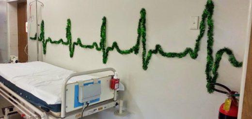 海外はひと味ちがう!病院のユーモラスな面白クリスマス装飾まとめ
